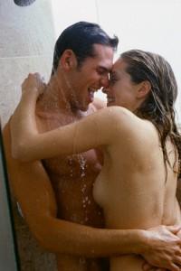 pareja en la ducha