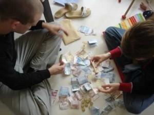 parejas dinero