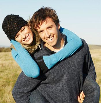 pareja jovenes